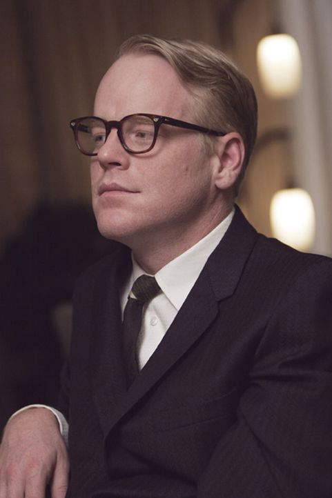 Die Geschichte eines brutalen Mordes in Kansas lässt den Reporter Truman Capote (Philip Seymour Hoffman) nicht mehr los. Er kann nicht anders und b... - Bildquelle: 2005 United Artists Films Inc. and Columbia Pictures Industries, Inc. All Rights Reserved.