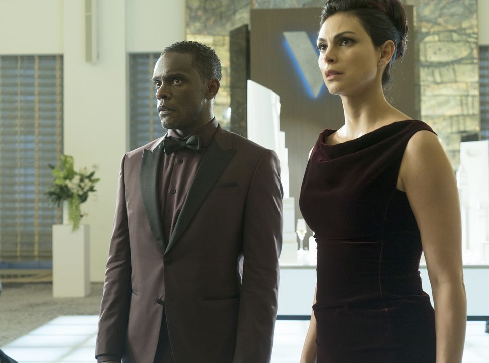 Lucius Fox (Chris Chalk, l.); Leslie Thompkins (Morena Baccarin, r.) - Bildquelle: 2019 Fox Media LLC