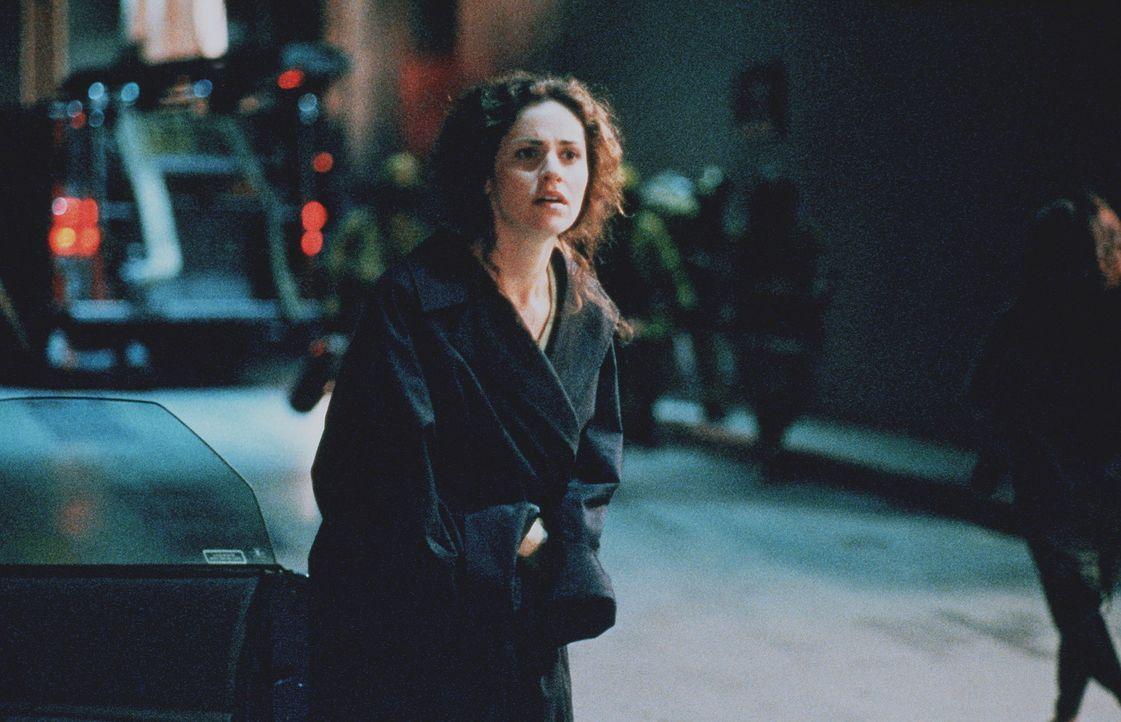 Obwohl sie sich lieben, ahnt Eady (Amy Brenneman), dass sie Neil McCauley nie wieder sehen wird ... - Bildquelle: Warner Bros.