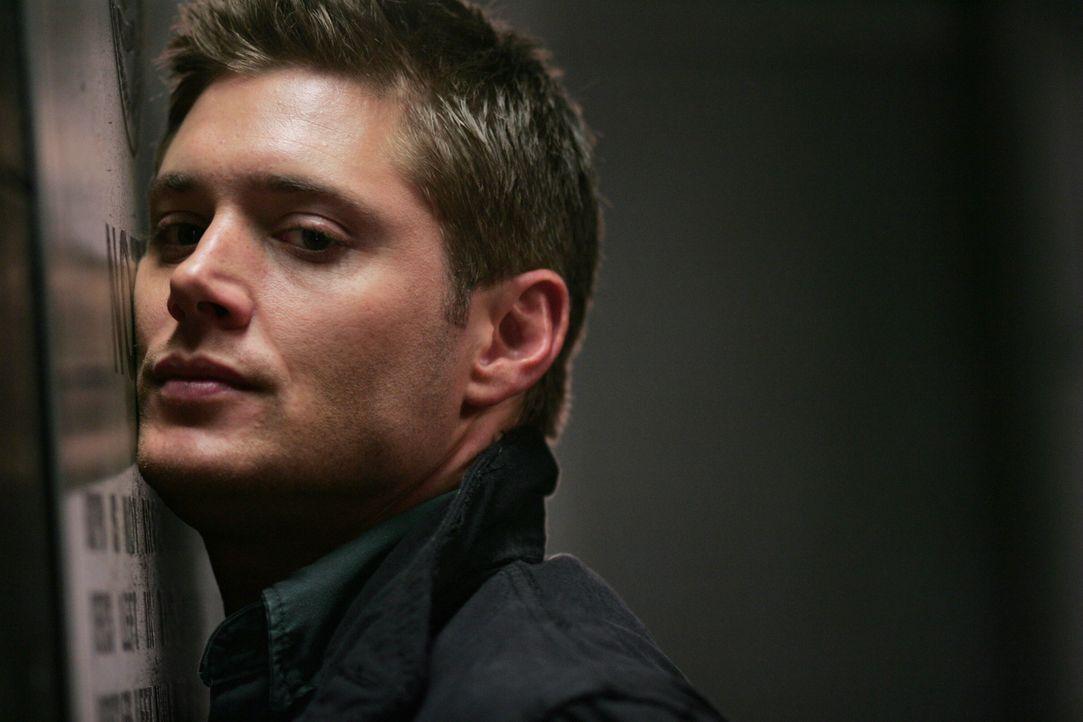 Er steckt bis über beide Ohren in Schwierigkeiten. Obwohl Dean (Jensen Ackles) seine Unschuld beteuert, glaubt ihm Polizist Sheridan kein Wort ... - Bildquelle: Warner Bros. Television