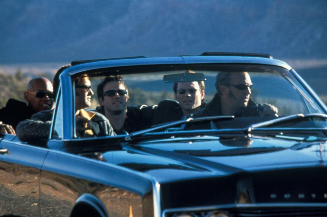 Während der Internationalen Elvis-Woche überfallen die fünf Elvis-Imitatoren (v.l.n.r.) Franklin (Bokeem Woodbine), Michael (Kurt Russell), Gus (Dav... - Bildquelle: Francise Pictures