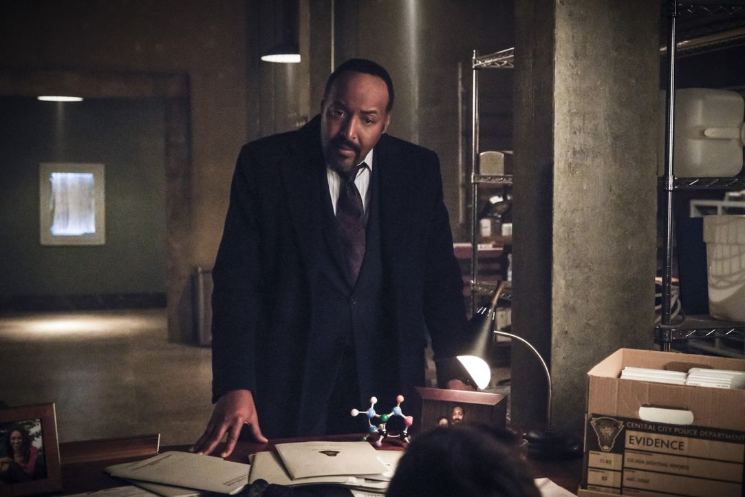 Joe (Jesse L. Martin) - Bildquelle: Jeff Weddell 2018 The CW Network, LLC. All rights reserved.