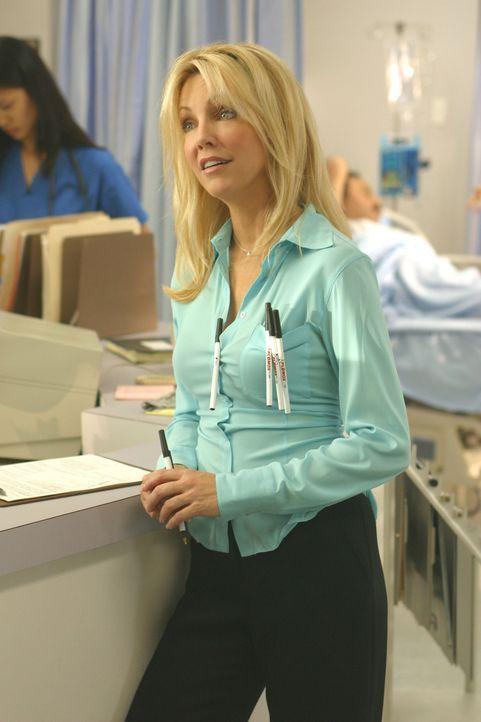 Die Pharmazeutin Julie Keaton (Heather Locklear) sorgt für Wirbel in der Klinik ... - Bildquelle: Touchstone Television