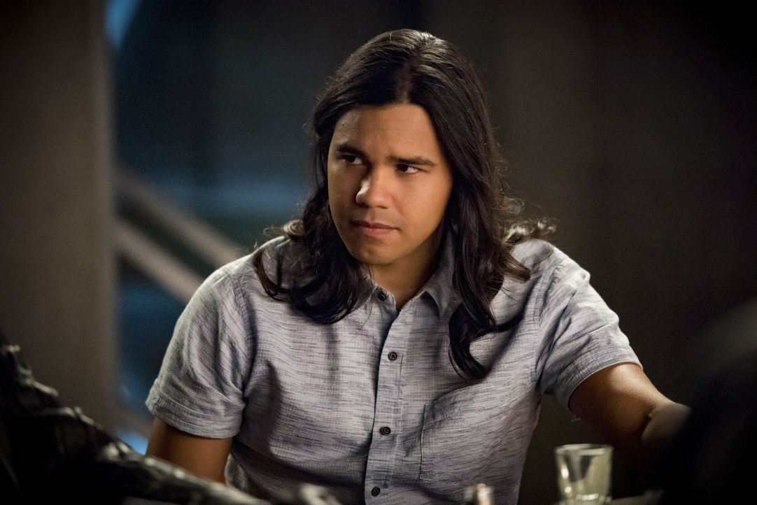 Cisco Ramon (Carlos Valdes) - Bildquelle: Dean Buscher 2019 The CW Network, LLC. All rights reserved. / Dean Buscher