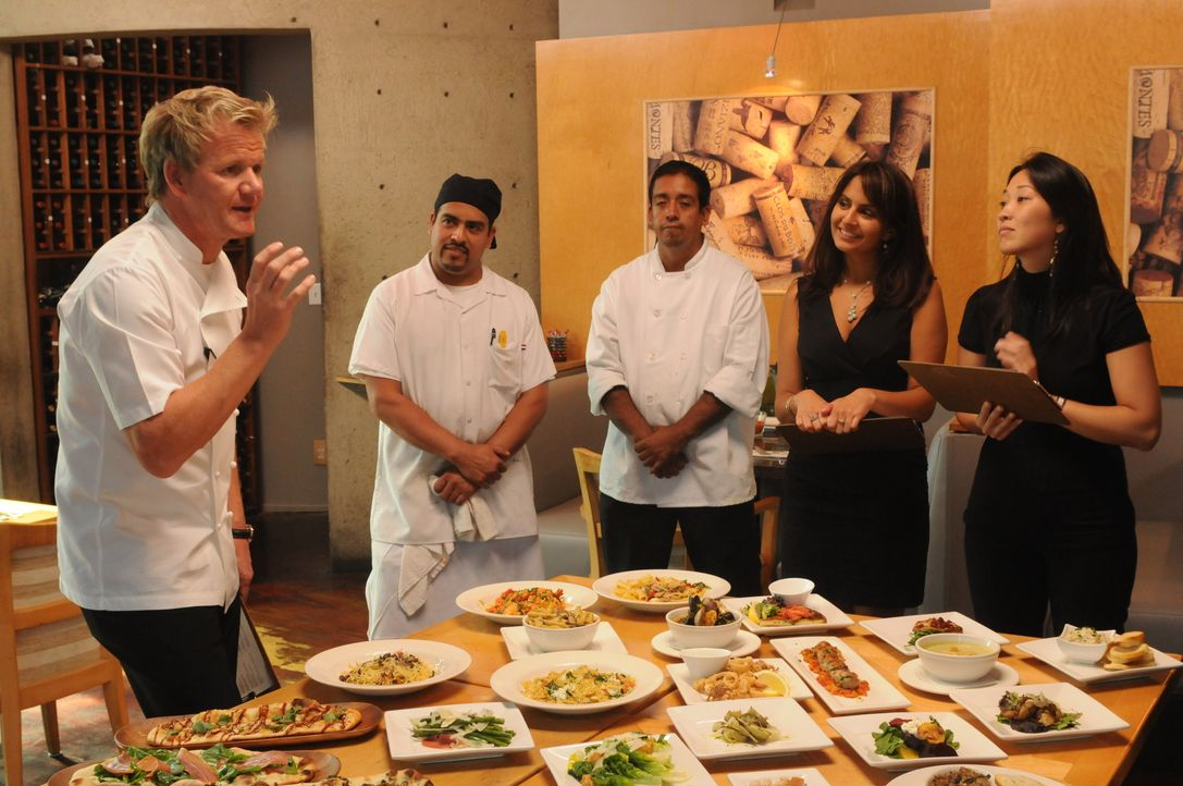 Gordon Ramsay (l.) - Bildquelle: 2009 ITV Studios, Inc. all rights reserved.