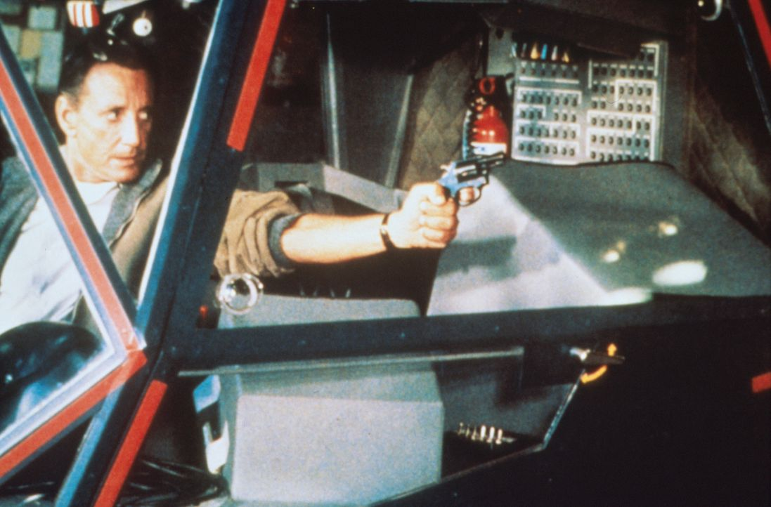 Gnadenlos wird Frank Murphy (Roy Scheider) durch die nächtlichen Straßen von Los Angeles gejagt ... - Bildquelle: Columbia Pictures