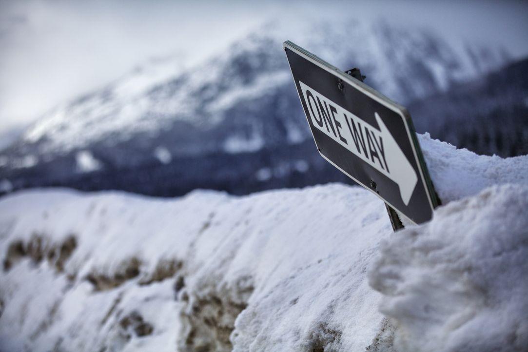 Der Coquihalla Highway in Kanada gehört zu den gefährlichsten Schnellstraßen der Welt. Raues Wetter und Steinschläge machen sie selbst für erfahrene... - Bildquelle: Beyond Distribution