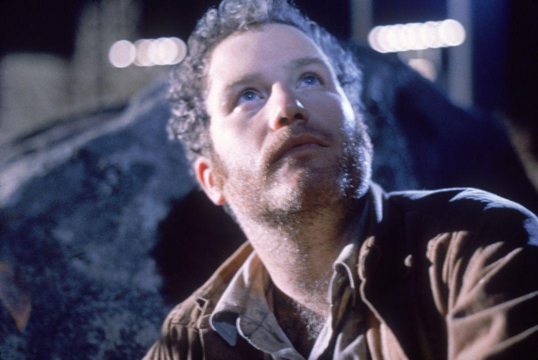 Roy Neary (Richard Dreyfuss) hat eine unheimliche Begegnung der dritten Art und wird von einem Ufo geblendet... - Bildquelle: Columbia Pictures
