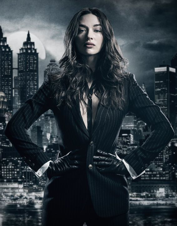 (4. Staffel) - Was führt Sofia Falcone (Crystal Reed) nach Gotham City? - Bildquelle: 2017 Warner Bros.