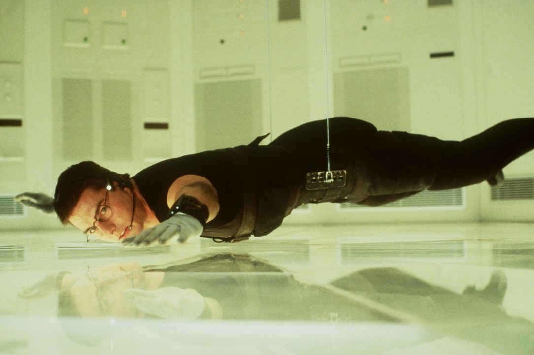 Dem Top-Agenten Ethan Hunt (Tom Cruise) gelingt es, bis in den Hochsicherheitsraum des Zentralcomputers im CIA-Hauptquartier in Langley zu gelangen... - Bildquelle: Paramount Pictures