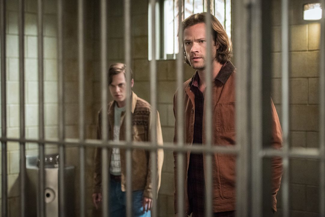 Jack (Alexander Calvert, l.); Sam Winchester (Jared Padalecki, r.) - Bildquelle: Dean Buscher 2017 The CW Network, LLC. All Rights Reserved / Dean Buscher