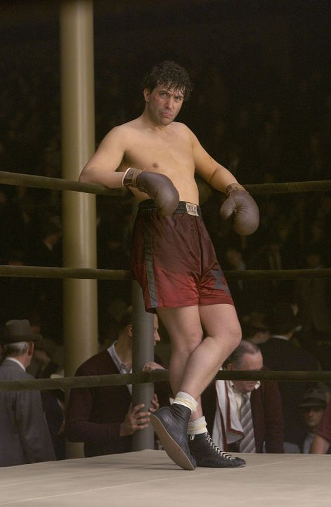 Nach einer längeren Zwangspause bekommt der Boxer Jim Braddock (Russell Crowe) wieder die Chance in den Ring zu steigen ... - Bildquelle: Universal Pictures-Miramax Films-Imagine Entertainment. All Rights Reserved.