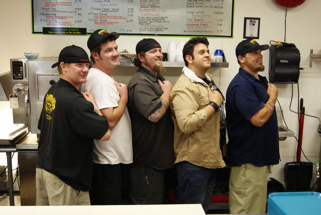 Adam Richman (2.v.r.) - Bildquelle: 2009, The Travel Channel, L.L.C./Sharp Entertainment