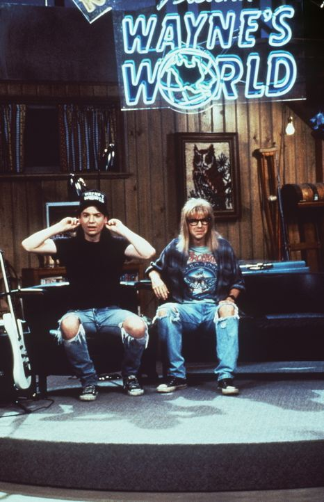 TV-Helden: Wayne (Mike Myers, l.) und Garth (Dana Carvey, r.) … - Bildquelle: Paramount Pictures