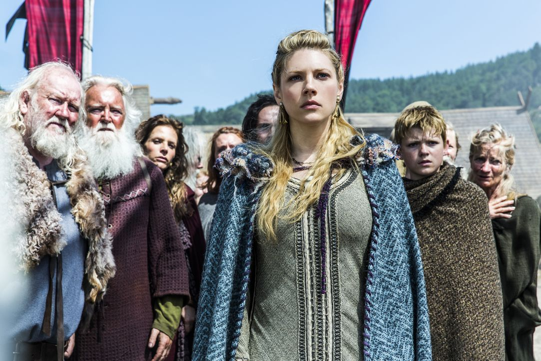 Kann nicht fassen, wer in Kattegat auftaucht: Lagertha (Katheryn Winnick) ... - Bildquelle: 2013 TM TELEVISION PRODUCTIONS LIMITED/T5 VIKINGS PRODUCTIONS INC. ALL RIGHTS RESERVED.