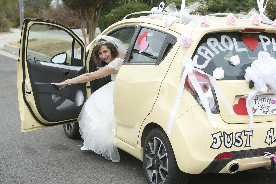 Hat an alles gedacht, damit es eine richtige Hochzeit wird: Carol (Kristen Schaal) ... - Bildquelle: 2015 Fox and its related entities.  All rights reserved.