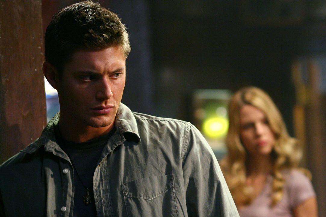 Dean (Jensen Ackles, l.) wird sofort auf Andy aufmerksam, der die Gedanken von anderen Menschen beeinflussen kann ... - Bildquelle: Warner Bros. Television