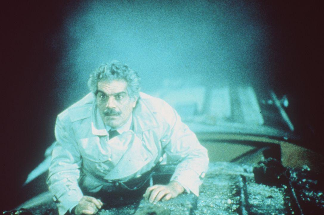 Der englische Agent Cedric (Omar Sharif) begibt sich immer wieder in höchst gefährliche Situationen ... - Bildquelle: Paramount Pictures