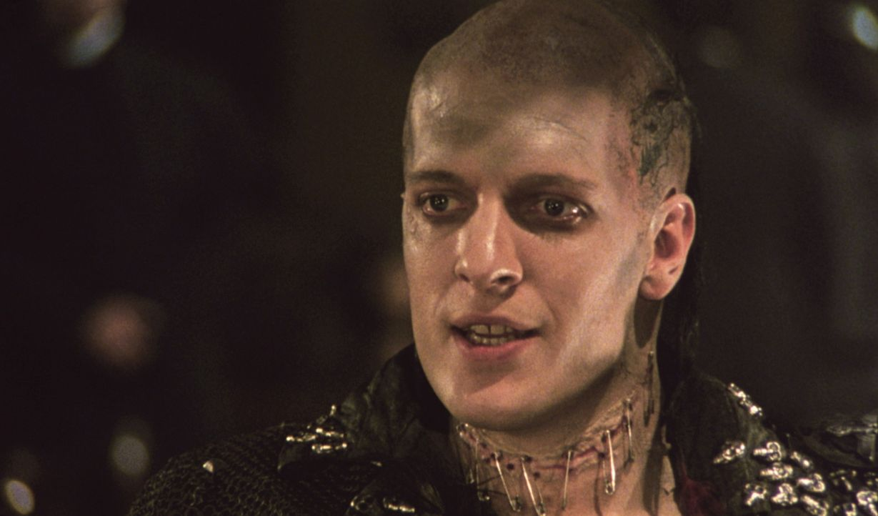 Der finstere Unsterbliche Kurgan (Clancy Brown) kommt nach New York, um endlich seinen alten Widersacher, den Highlander Connor McLeod, zu töten ... - Bildquelle: 20th Century Fox Film Corporation