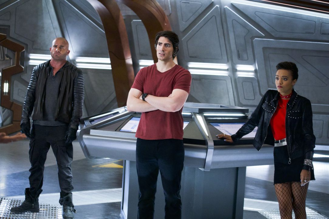 (v.l.n.r.) Rory (Dominic Purcell); Ray (Brandon Routh); Charlie (Maisie Richardson-Sellers) - Bildquelle: Shane Harvey 2019 The CW Network, LLC. All rights reserved. / Shane Harvey