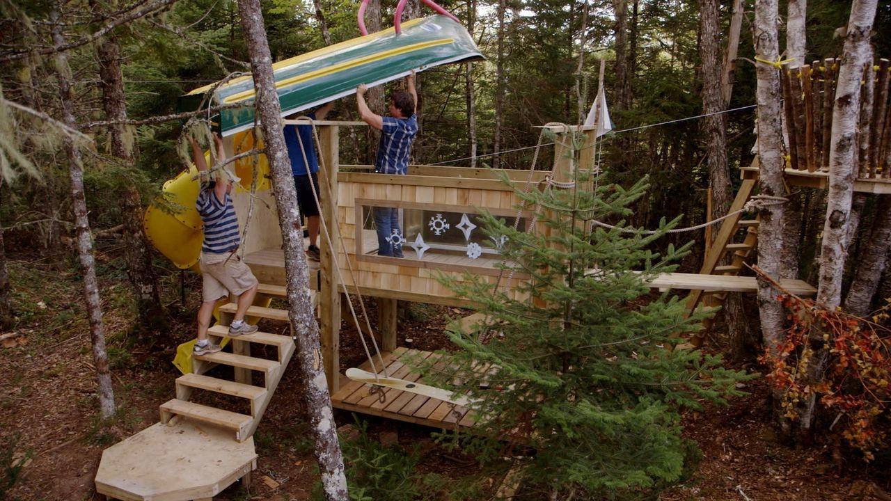 Kevin, Andrew und ihr Kumpel nehmen sich einem neuen Projekt an - sie wollen das ultimative Spielhaus für ihre Kinder bauen ... - Bildquelle: Brojects Ontario Ltd./Brojects NS Ltd