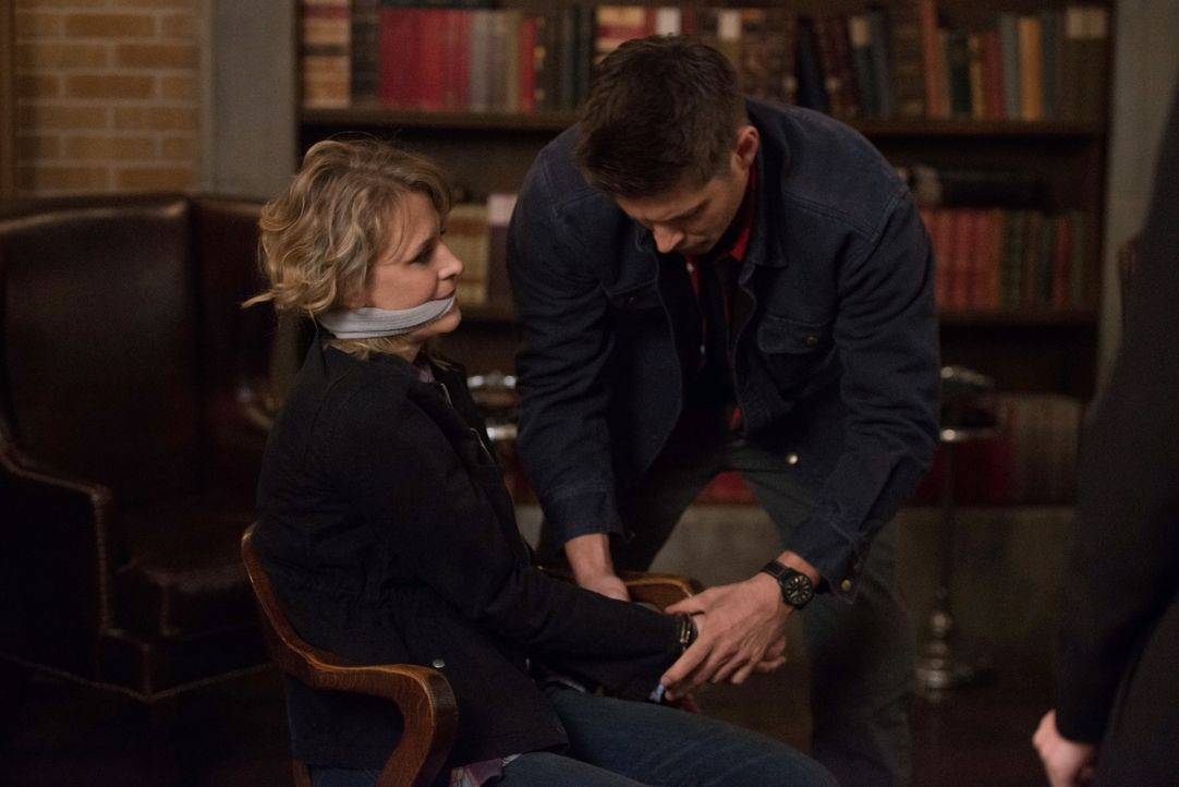 (v.l.n.r.) Mary Winchester (Samantha Smith); Dean Winchester (Jensen Ackles) - Bildquelle: Diyah Pera 2016 The CW Network, LLC. All Rights Reserved / Diyah Pera