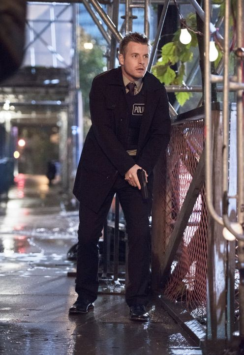 Im Kampf gegen das Böse in Central City: Eddie (Rick Cosnett) ... - Bildquelle: Warner Brothers.