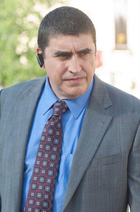 CIA-Chef Burton (Alfred Molina) will um jeden Preis an eine Liste mit Namen von Geheimnisträgern kommen, die ihr Wissen verraten und verkauft haben.... - Bildquelle: 2011, Vertigo Entertainment, Gotham Group, Tailor Made, Quick Six Entertainment, Lionsgate Films Inc.