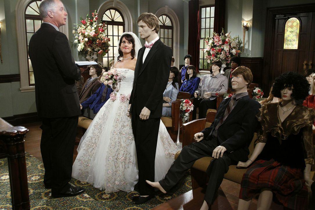 Hat Rose (Melanie Lynskey, 2.v.l.) endlich ihre Liebe gefunden? - Bildquelle: Warner Brothers Entertainment Inc.