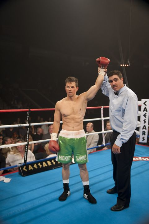 Kann einen wichtigen Sieg landen: Micky (Mark Wahlberg, l.) ... - Bildquelle: 2010 Fighter, LLC All Rights Reserved