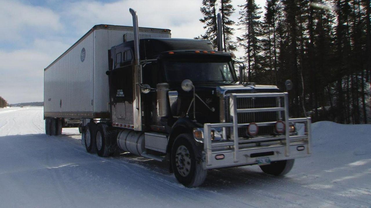 Todd hat eine Panne und sein Truck ist schwer beschädigt. Er muss einen Weg ... - Bildquelle: 2016 A+E Networks, LLC. All rights reserved.