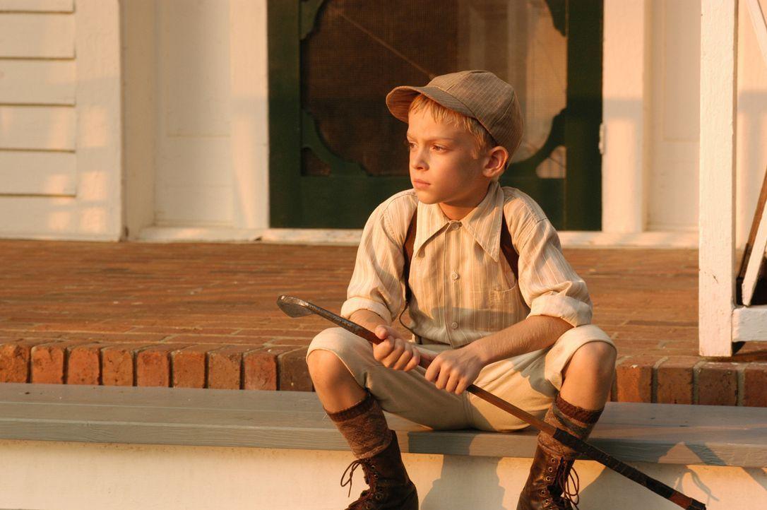 In jungen Jahren beginnt Bobby Jones (Devon Gearhart) Leidenschaft für das Golfspiel, doch wird er jemals erfolgreich den Sport ausführen können? - Bildquelle: 2003 Bobby Jones Film, LLC. All Rights Reserved.