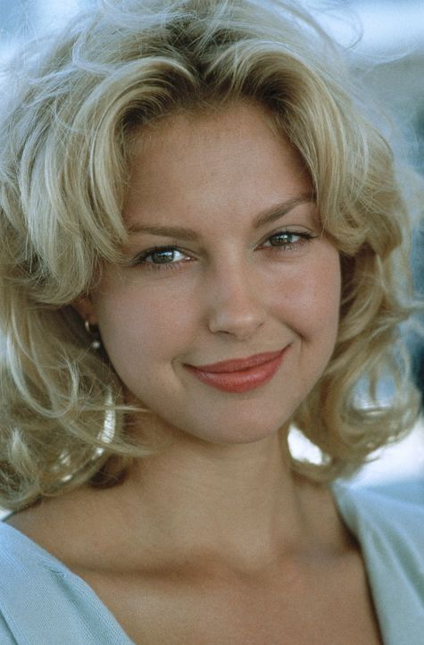 Die attraktive Ehefrau des jungen Verteidigers Brigance, Carla Brigance (Ashley Judd), muss um ihr Leben fürchten. Der Ku-Klux-Klan hat sie als Opf... - Bildquelle: Warner Bros.
