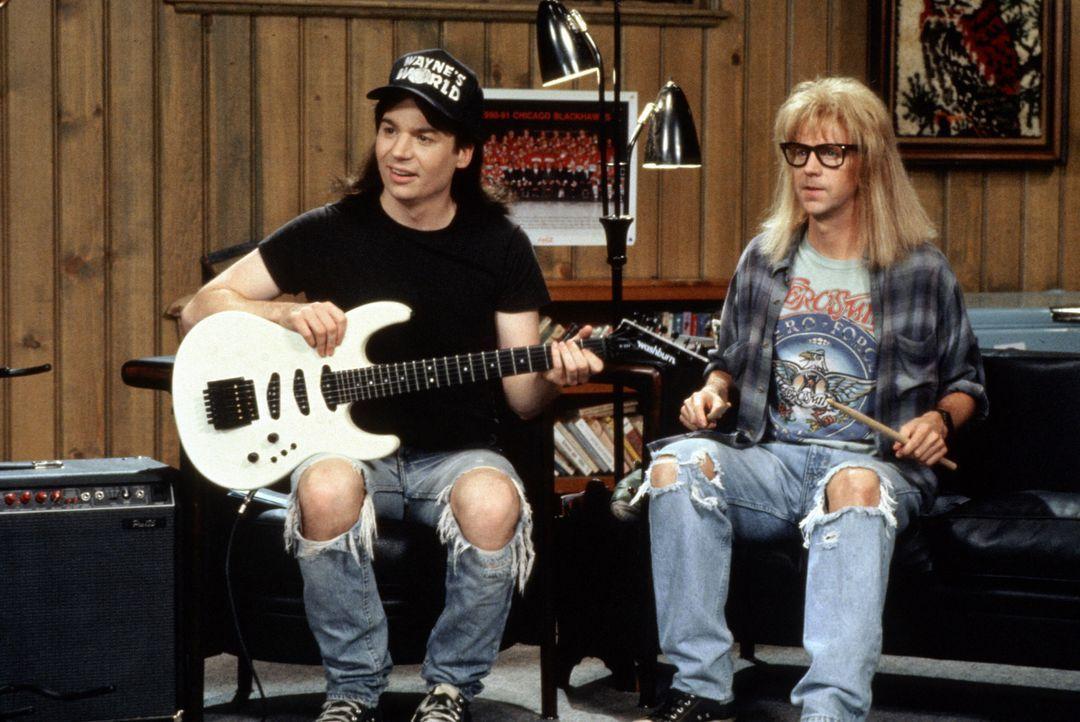 Aus dem Keller übertragen Wayne (Mike Myers, l.) und Garth (Dana Carvey, r.) ihre anarchische Show ... - Bildquelle: Paramount Pictures