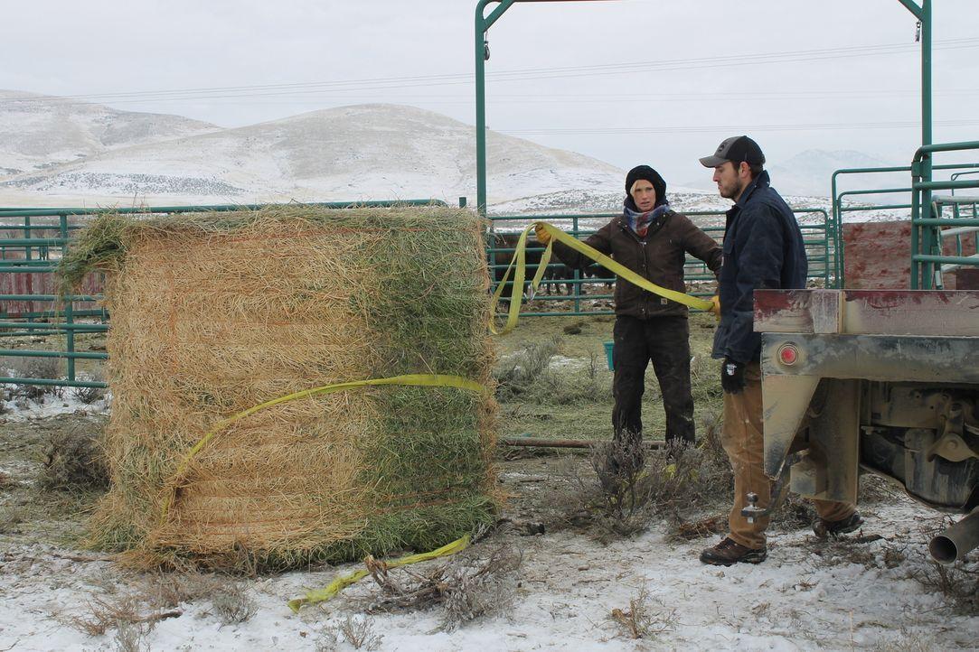 Fernab von großen Städten und anderen Menschen wollen sich Jon (r.) und Etta Smith (l.) im Nordwesten von Montana niederlassen und dort eine Ranch b... - Bildquelle: 2016,DIY Network/Scripps Networks, LLC. All Rights Reserved