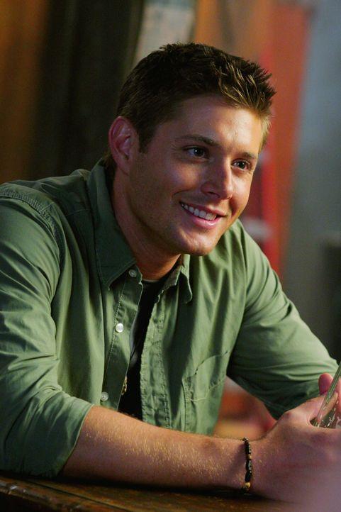 Dean (Jensen Ackles) macht sich mit seinem Bruder auf die Suche nach einem Dämon und stößt dabei auf Andy, der äußerst verdächtig wirkt ... - Bildquelle: Warner Bros. Television