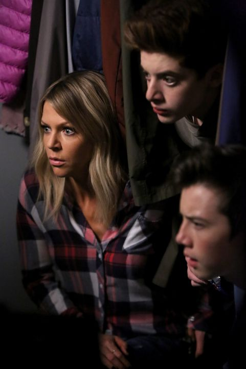 Durch eine Reihe unglücklicher Umstände landen Mickey (Kaitlin Olson, l.), Chip (Thomas Barbusca, M.) und Dylan (Griffin Gluck, r.) zusammen im Klei... - Bildquelle: 2017 Fox and its related entities. All rights reserved.