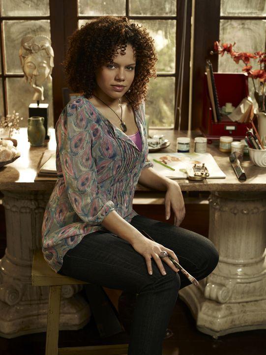 """Leena (Genelle Williams) führt eine Pension in der Nähe des """"Warehouse 13"""" und kann die Aura von Menschen und Gegenständen wie zum Beispiel Artefakt... - Bildquelle: Justin Stephens SCI FI Channel"""