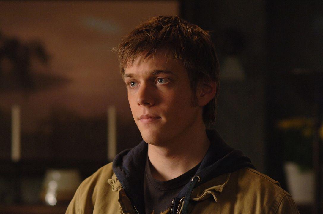 Nimmt Kontakt zu Sam und Dean auf: Adam Milligan (Jake Abel) ... - Bildquelle: Warner Bros. Television