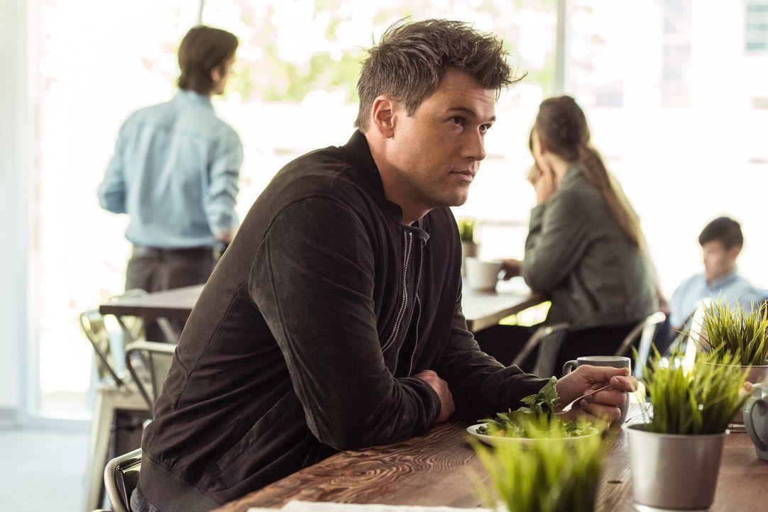Als Rory eine zeitwidrige Erscheinung über den Weg läuft, hoffen Nate (Nick Zano), Ray und Sara, dass sie ihre alte Stellung als Legends wieder einn... - Bildquelle: 2017 Warner Bros.