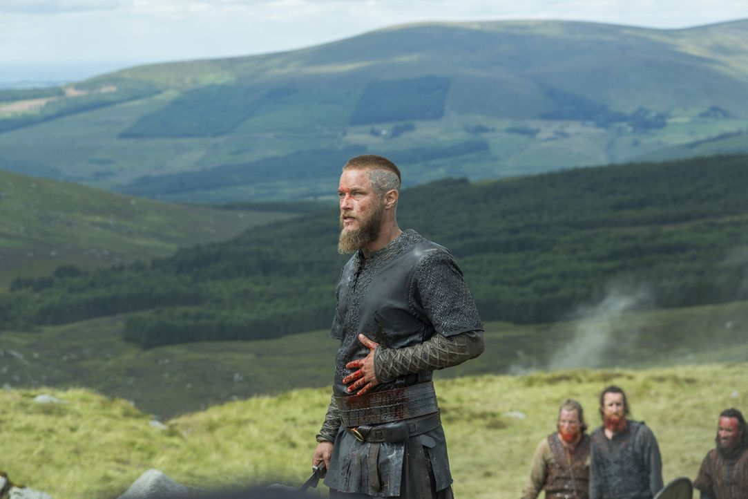 Während seine Frau auf Harbard, einen geheimnisvollen Fremdem trifft, zieht Ragnar (Travis Fimmel) in Mercia gegen Kwenthriths Bruder Burgred in die... - Bildquelle: 2015 TM PRODUCTIONS LIMITED / T5 VIKINGS III PRODUCTIONS INC. ALL RIGHTS RESERVED.