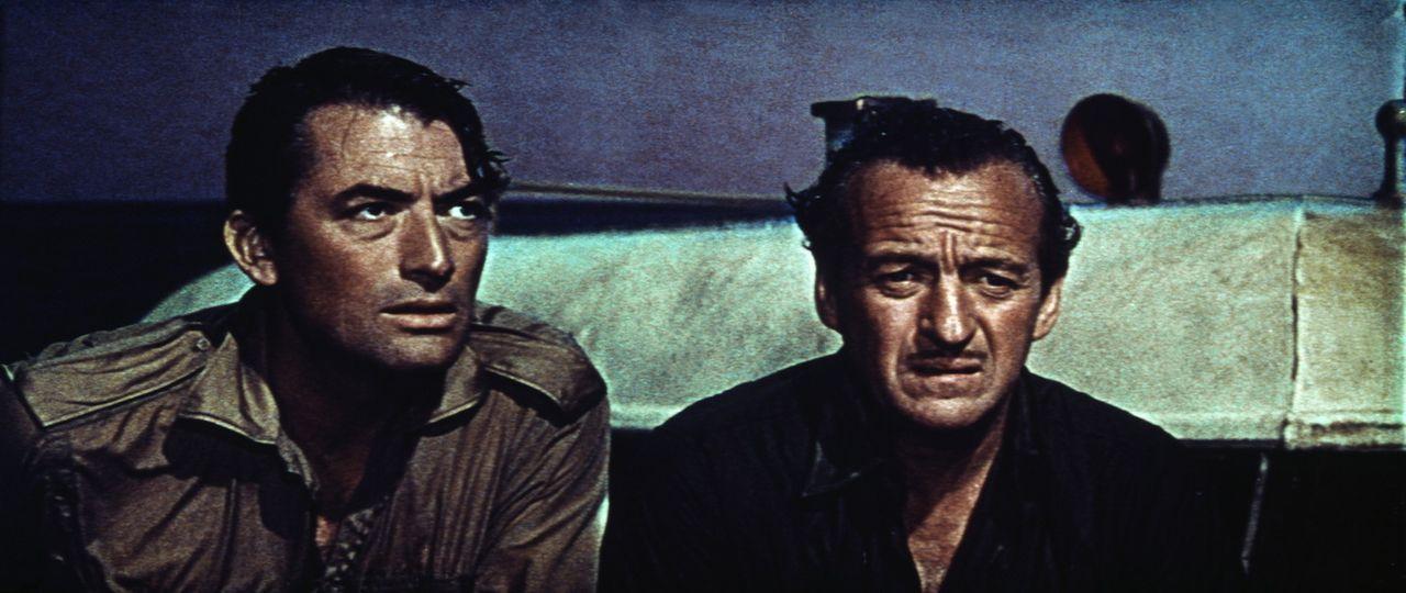Mallory (Gregory Peck, l.) und Miller (David Niven, r.) sollen riesige Geschütze in der Ägäis außer Gefecht setzen ...