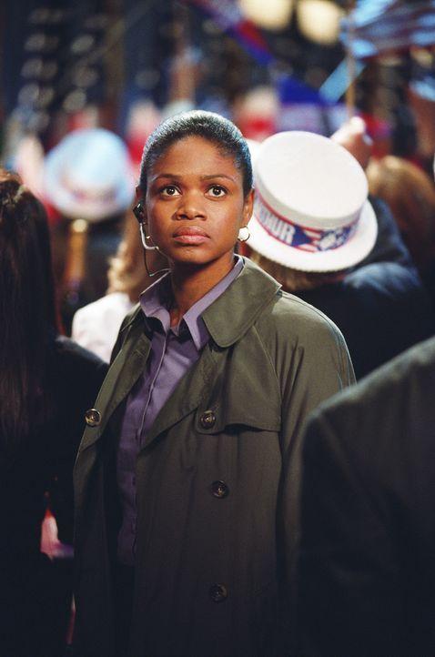 Nur Rosie (Kimberly Elise) glaubt Ben ... - Bildquelle: Paramount Pictures