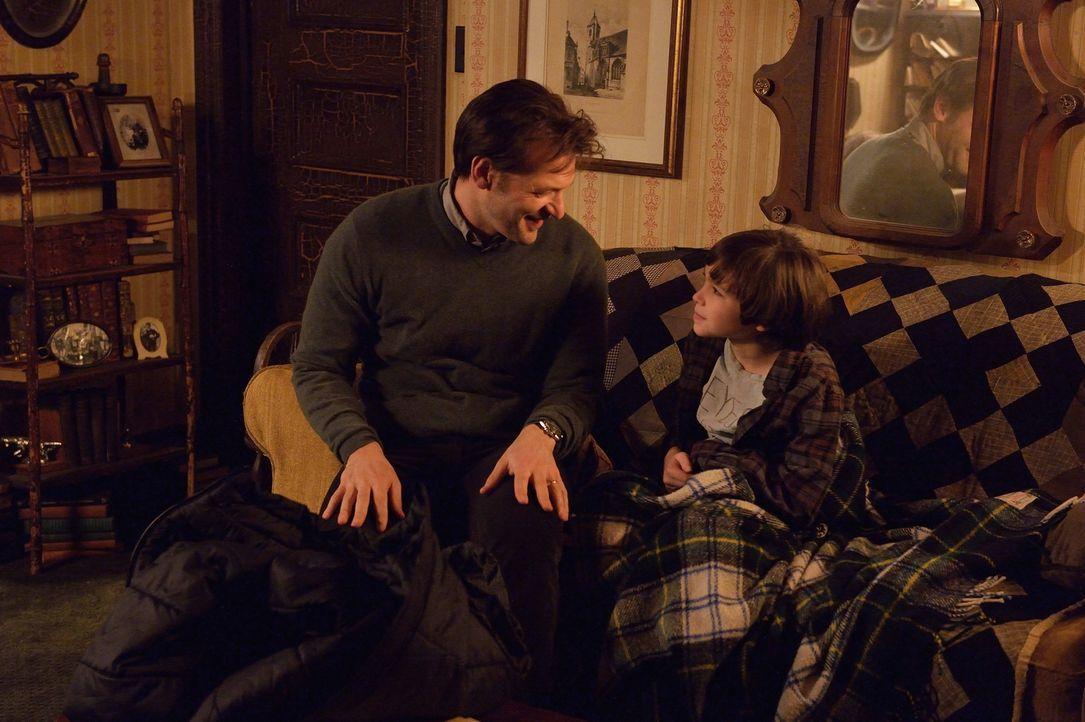 Während Eph (Corey Stoll, l.) überlegt, was das Beste für seinen Sohn Zach (Ben Hyland, r.) ist, muss auch Gus eine Entscheidung treffen ... - Bildquelle: 2014 Fox and its related entities. All rights reserved.