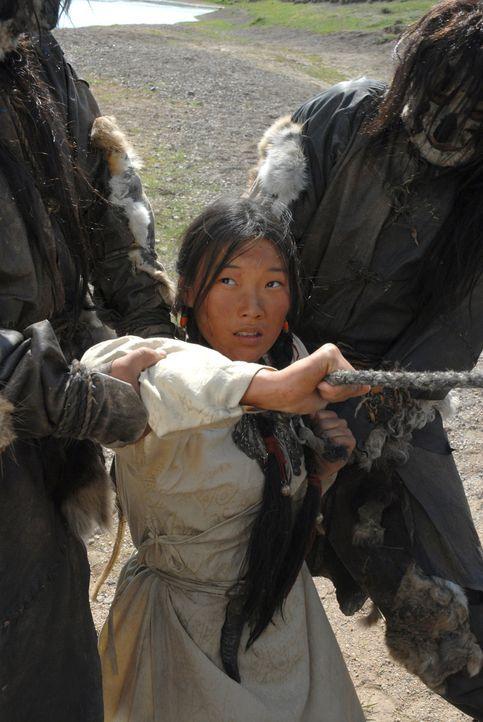 Kurz nach der Vermählung erscheinen die Merkiten und entführen Borte (Khulan Chuluun) ... - Bildquelle: X-Filmverleih