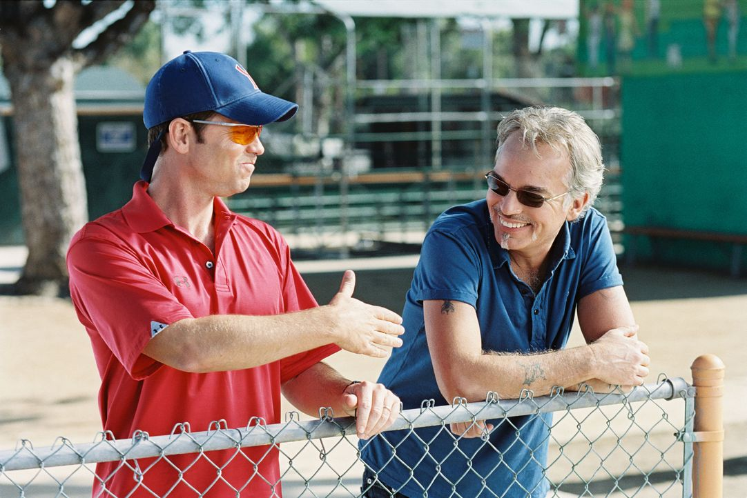 "Wer wird die diesjährige Jugend-Baseball-Meisterschaft für sich entscheiden? Die ""Yankees"" mit ihrem überheblichen Trainer Roy Bullock (Greg Kinnear... - Bildquelle: TM &   Paramount Pictures. All Rights Reserved."