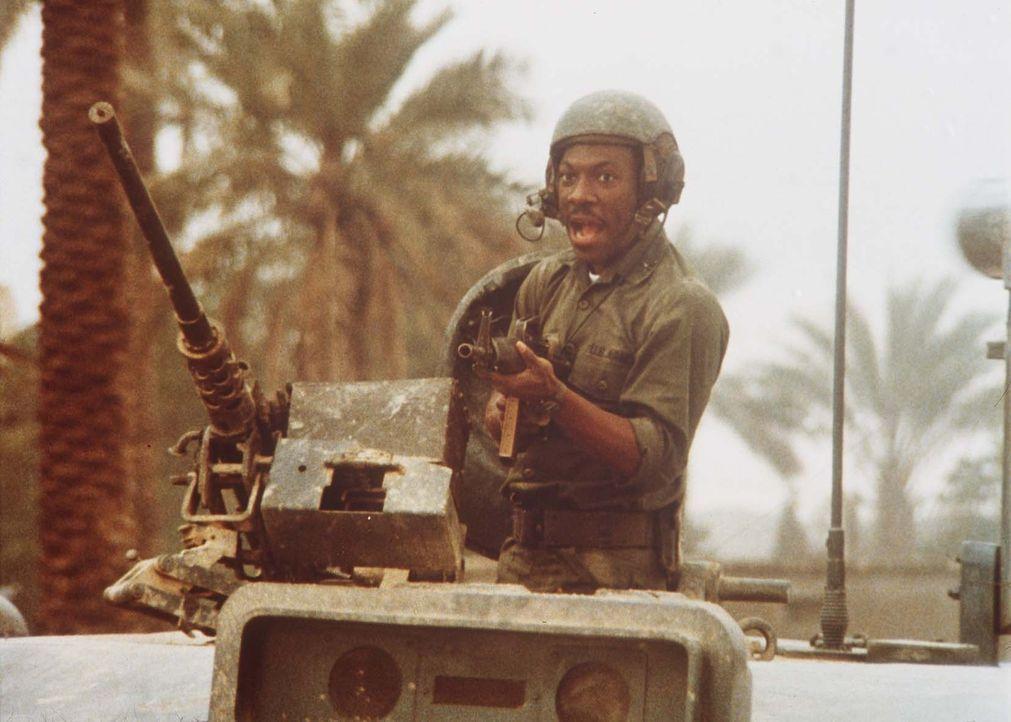 Unglücklicherweise gerät Leutnant Landry (Eddie Murphy) auch noch in einen Krieg zwischen rivalisierenden Araberstaaten ... - Bildquelle: Paramount Pictures