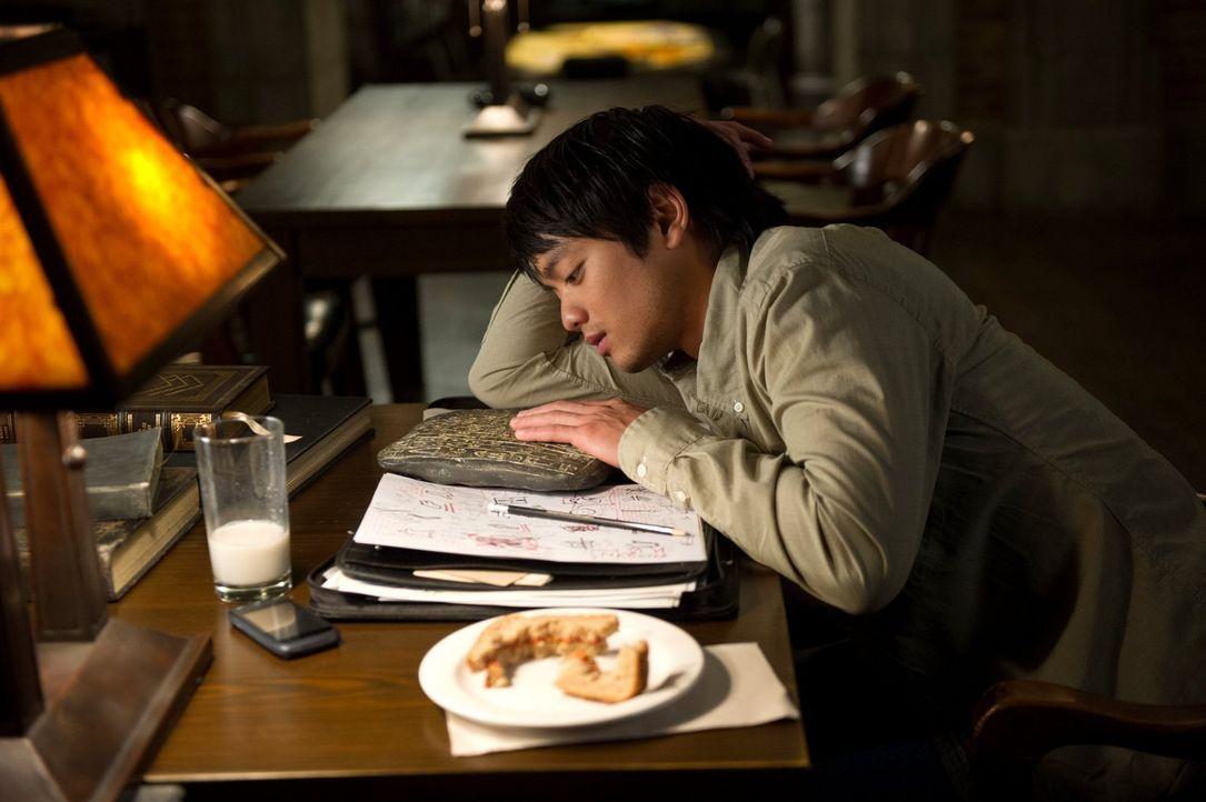 Als Dean bewusst wird, dass es nicht Ezekiel ist, der in Sam lebt, hofft er auf die Hilfe von Kevin (Osric Chau) ... - Bildquelle: 2013 Warner Brothers