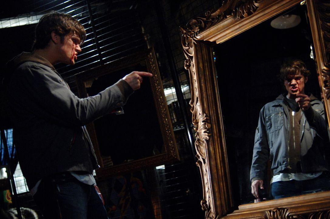 Um Bloody Mary zu vernichten, muss Sam (Jared Padalecki) sie zuerst einmal herbeirufen ... - Bildquelle: Warner Bros. Television