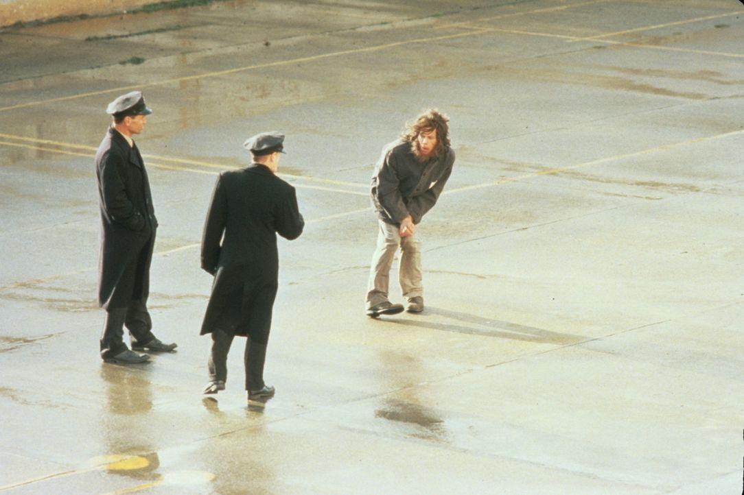 Alcatraz im Jahr 1938: Der Fluchtversuch des Häftlings Henry Young (Kevin Bacon, r.) scheitert kläglich ... - Bildquelle: Warner Bros.